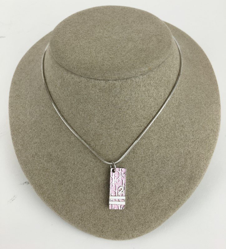 CHRISTIAN DIOR PINK & WHITE TROTTER PLATE NECKLACE WITH ADJUSTABLE CHAIN