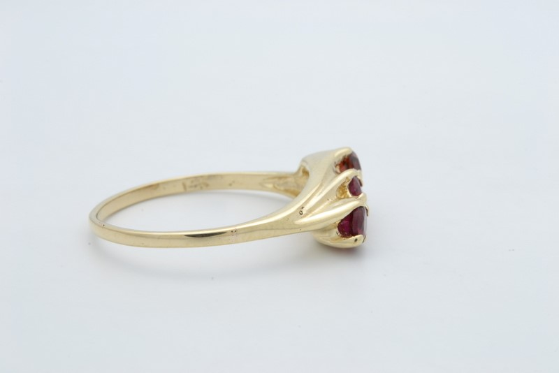 VINTAGE RED 3 GEMSTONE RING SOLID REAL 14K YELLOW GOLD FINE SIZE 7.5