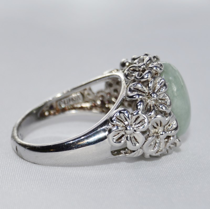 Sterling Silver Oval Green Jade Daisy Explosion Flower Ring Size 9