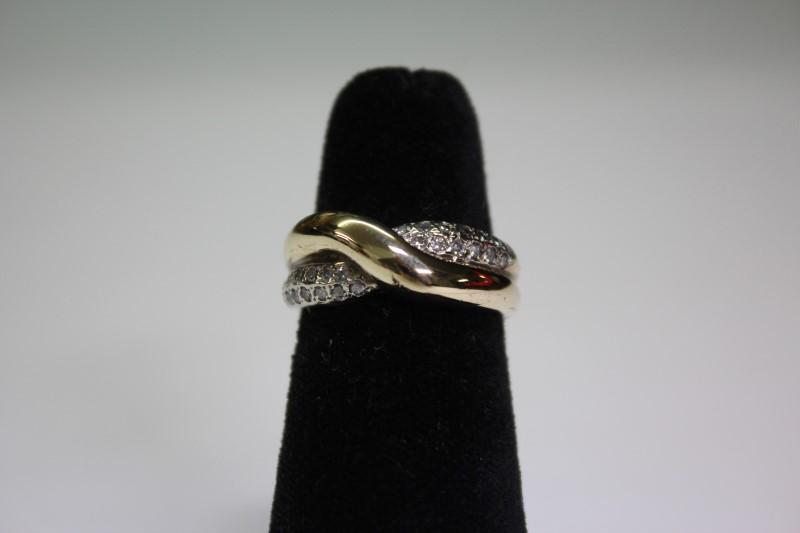 Lady's Diamond Fashion Ring 26 Diamonds .26 Carat T.W. 14K Yellow Gold 5.4g
