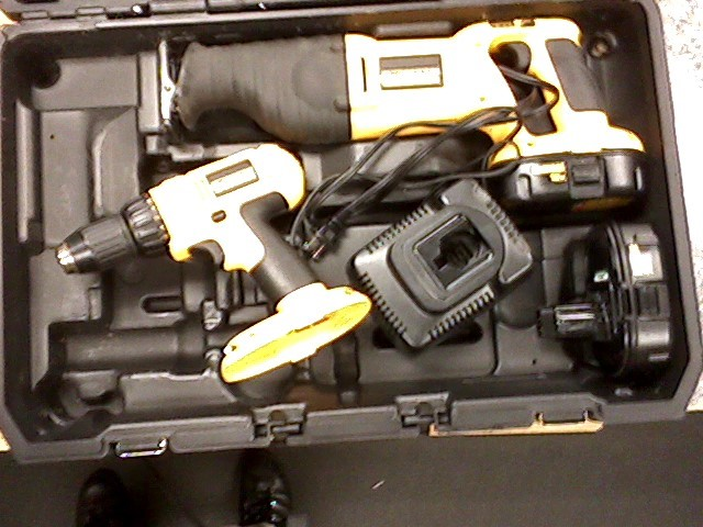 DEWALT Combination Tool Set 18 VOLT COMBINATION TOOL SET