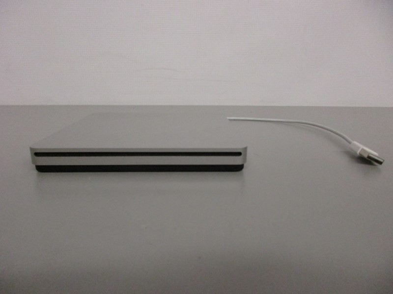 APPLE A1379 USB SUPERDRIVE DVD/CD BURNER/PLAYER