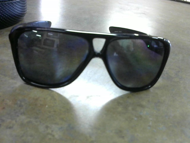 OAKLEY Sunglasses DISPATCH II