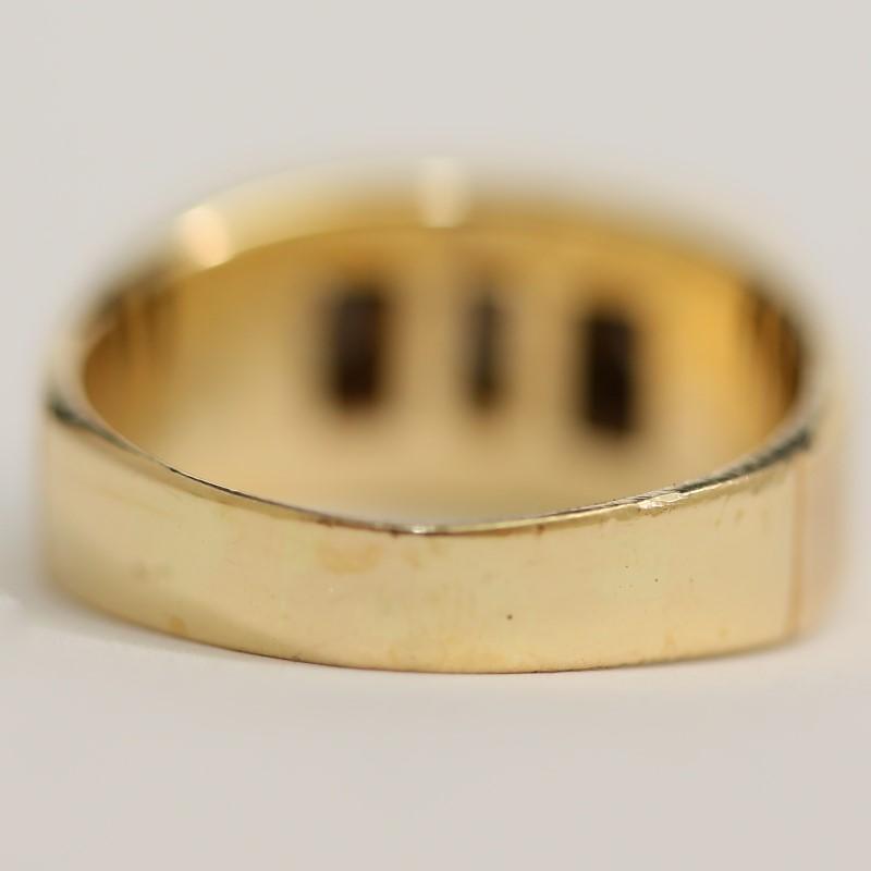 14K Yellow Gold 3 Round Brilliant Diamond Channel Set Ring Size 10.5