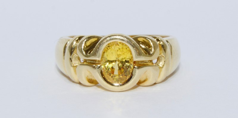 18K Yellow Gold Full Bezel Set Oval Citrine Royalled Detailed Dome Ring sz 6.75