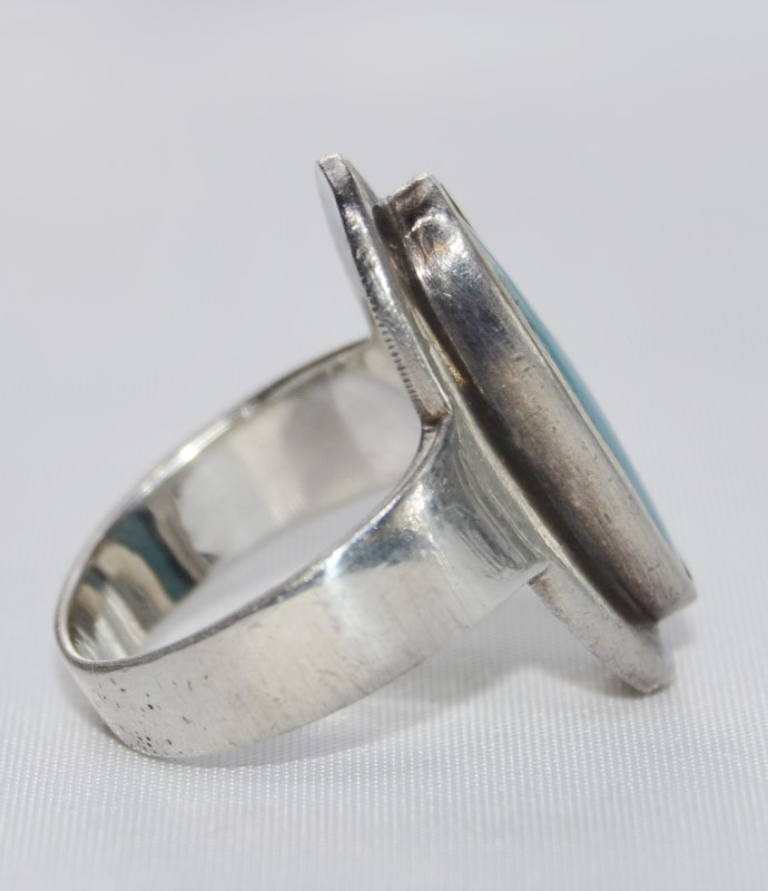 "Sterling Silver ""Day Time Sky"" Enlongated Oval Ring Size 5"