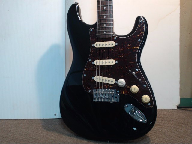 Squier Electric Guitar STRAT