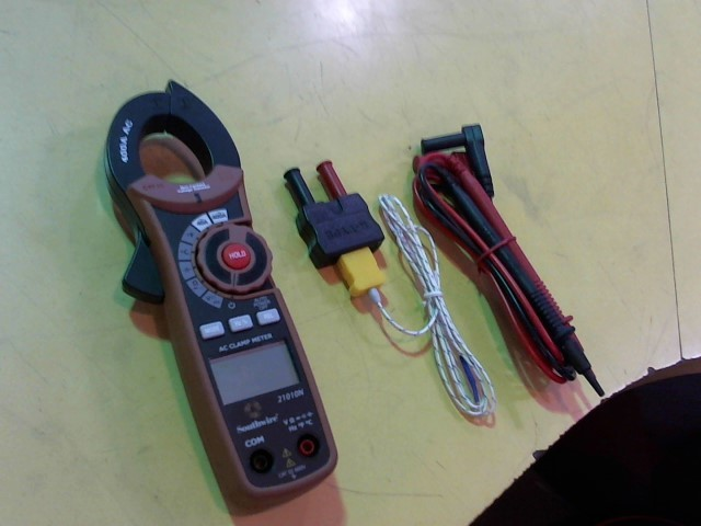 SOUTHWIRE Multimeter 21010N