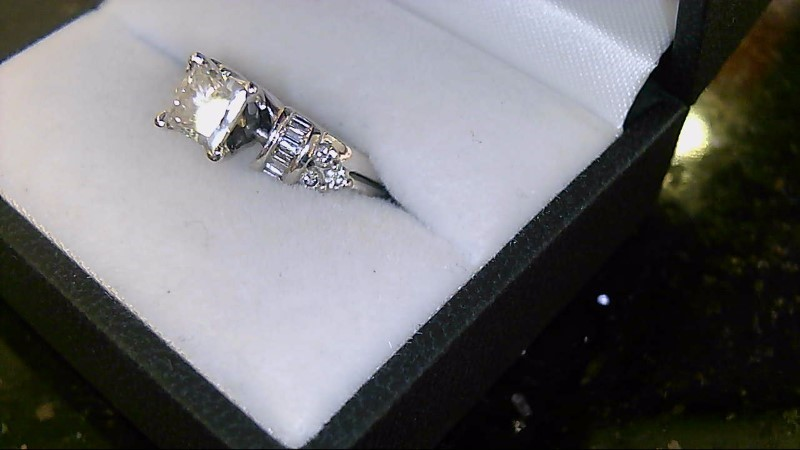 lady's 14k wg appx .95ct princess cut with round and baguette diamond ring