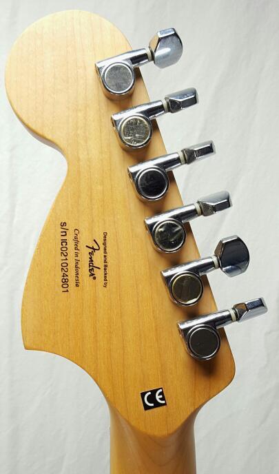 Fender Squier Stratocaster Electric Guitar w/Guitar Strap
