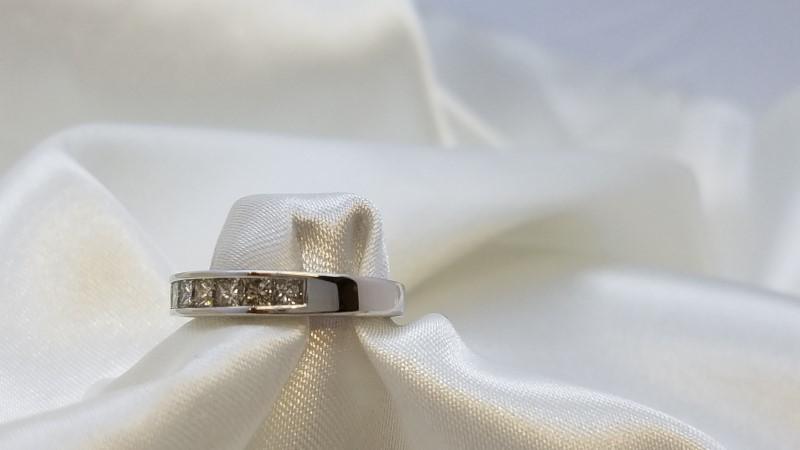 Lady's Diamond Wedding Band 7 Diamonds .70 Carat T.W. 14K White Gold 2.9g