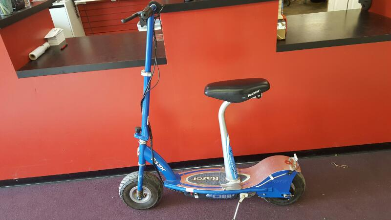 RAZOR Scooter E300S ELECTRIC SCOOTER