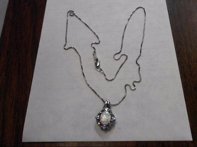 Synthetic Opal Stone Necklace 925 Silver 2.3dwt