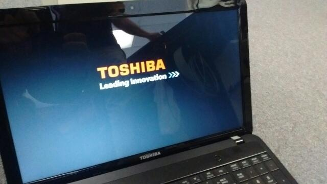TOSHIBA LAPTOP 600GB, 6GB RAM, WIN10