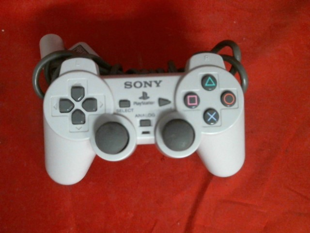 SONY PLAYSTATION ONE CONTROLLER
