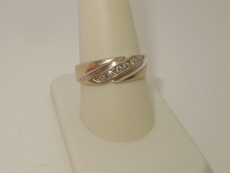 Gent's Gold-Diamond Wedding Band 5 Diamonds .15 Carat T.W. 14K White Gold 4.3g