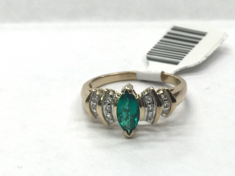 Green Stone Lady's Stone Ring 10K White Gold 1.8dwt Size:6.8