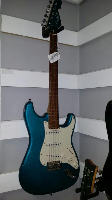 THREE STAR Electric Guitar ELECTRIC GUITAR