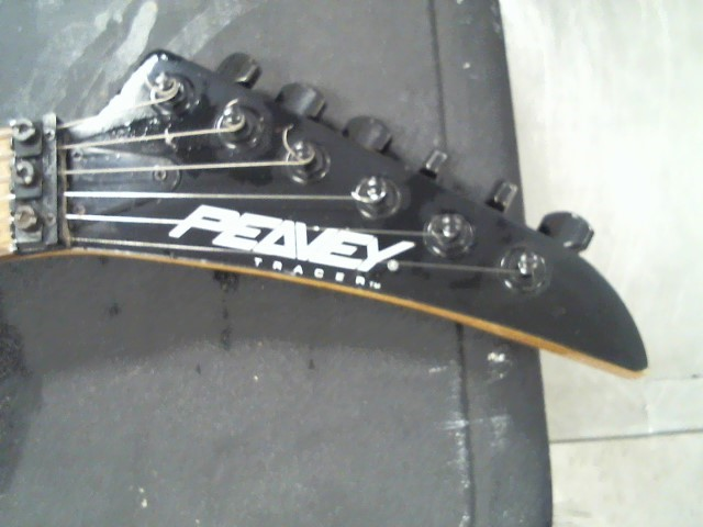 PEAVEY Electric Guitar TRACER