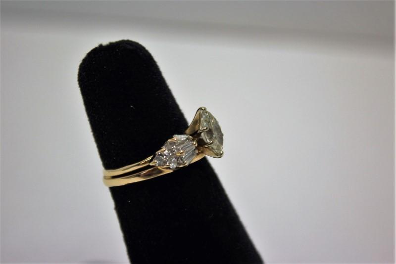 Lady's Diamond Fashion Ring 13 Diamonds 1.70 Carat T.W. 14K Yellow Gold 4.8g
