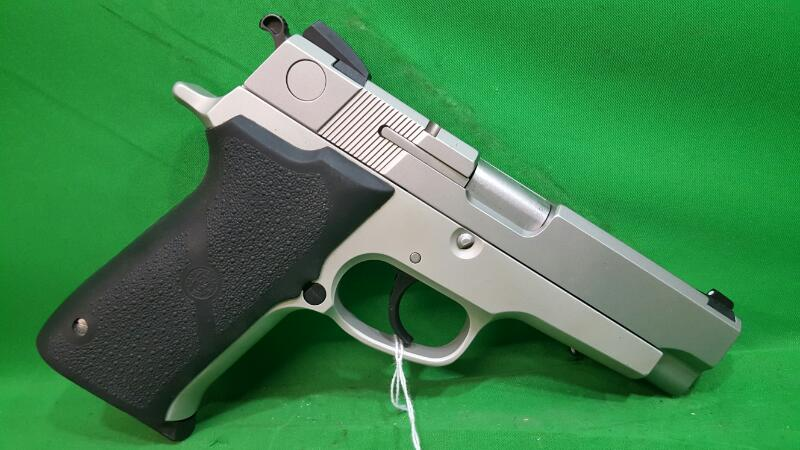 SMITH & WESSON Pistol 910S Stainless 9mm Pistol