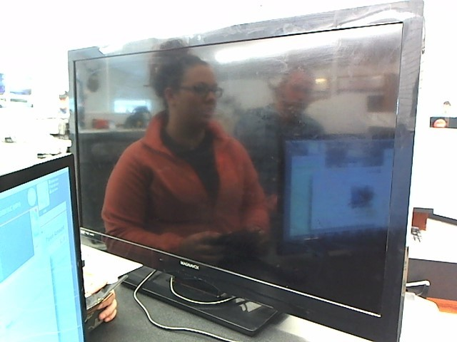 MAGNAVOX Flat Panel Television 39MF412B/F7