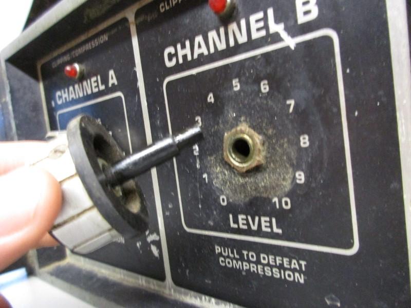 PEAVEY CS-400 STEREO POWER AMPLIFIER, PARTS/REPAIR