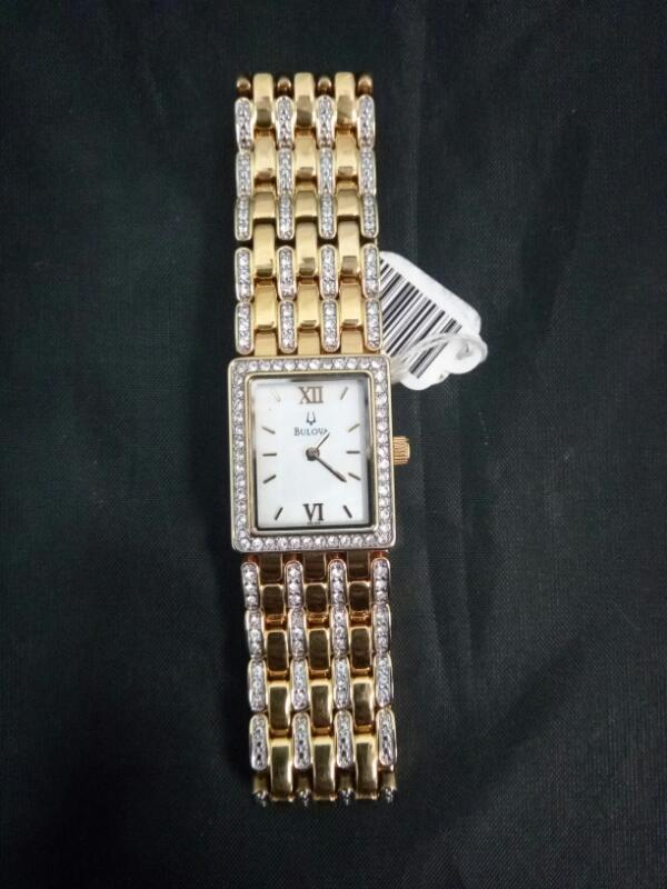 BULOVA Lady's Wristwatch 98L159