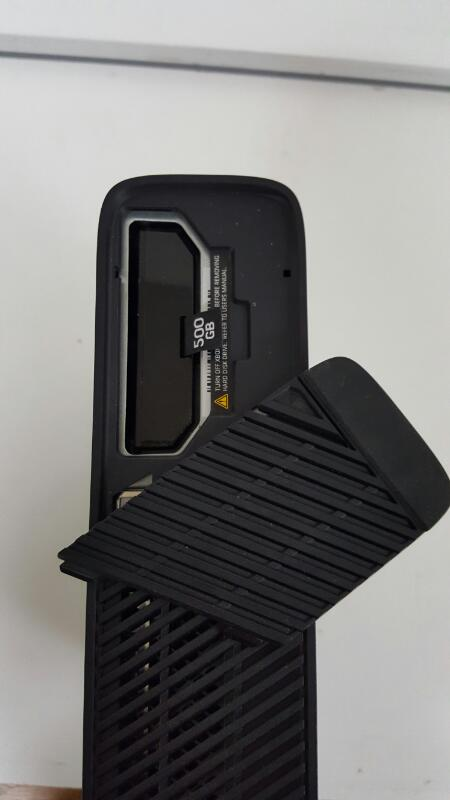 Microsoft Xbox 360 Black E Console 500gb (Model 1538, Gears of War)