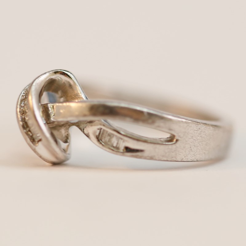 Unique Twisted Sterling Silver Baguette Cut Diamond Ring Size 6.5