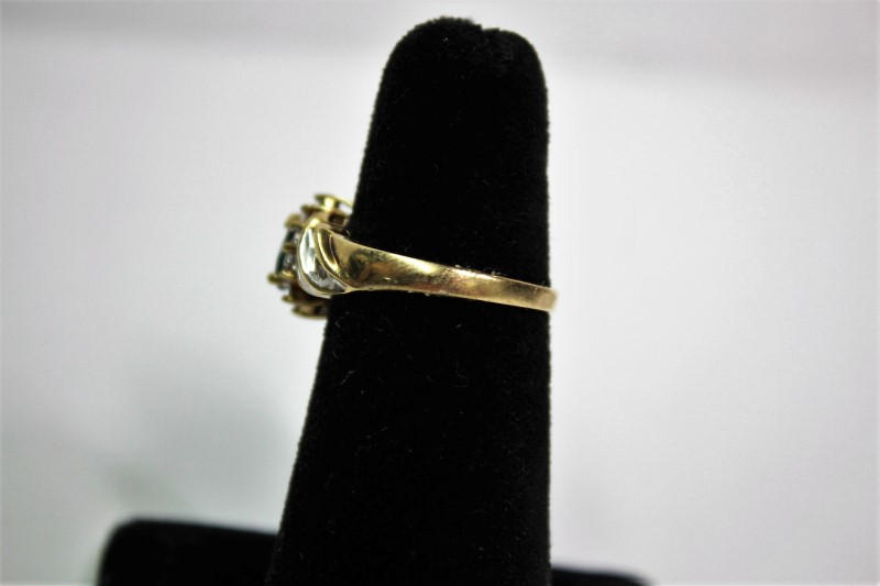 Blue Stone Lady's Stone & Diamond Ring 28 Diamonds .28 Carat T.W.