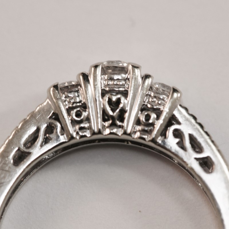 Vintage Inspired 14K W/G Filigree & Heart Set Diamond Ring Size 6.5