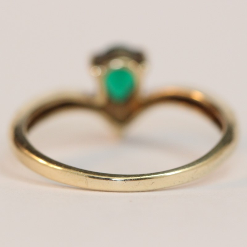 Lovely 10K Yellow Pear Cut Emerald and Diamond Ring Size 6