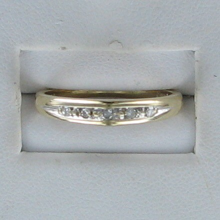 Lady's Diamond Wedding Band 5 Diamonds .10 Carat T.W. 14K Yellow Gold 1.6dwt