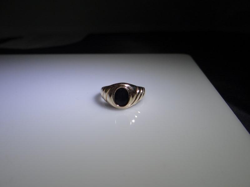 Black Stone Gent's Stone Ring 10K Yellow Gold 4.35g