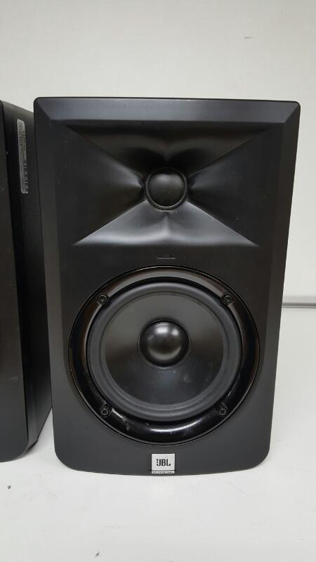 JBL LSR305 Professional Studio Monitors (Pair)