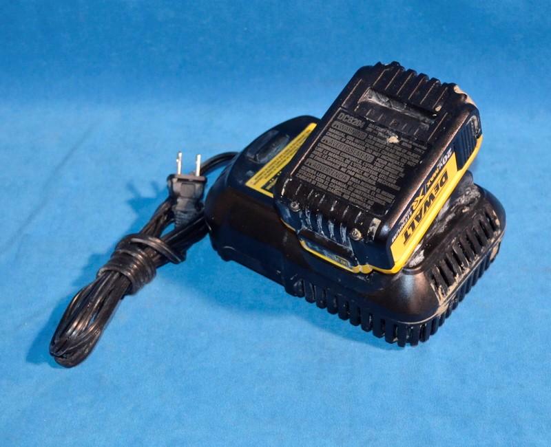 "DEWALT Cordless Hammerdrill/Drill Driver DCD995 1/2"" 20 Volt XR Lithium Ion"