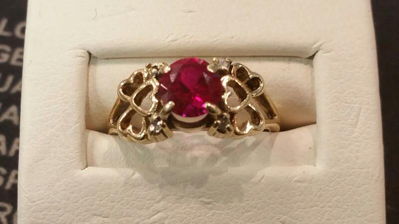Lady's Gold Ring 10K Yellow Gold 1.9dwt Size:6.5