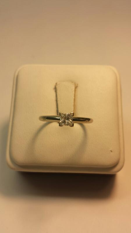 14k White Gold Ring with 1 Princess Cut Diamond at .38ctw - 1.3dwt - Size 8