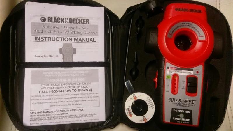 BLACK & DECKER BULLS EYE STUD FINDER  BDL110S