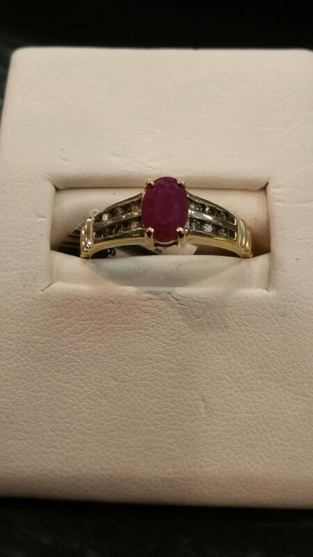 Synthetic Almandite Garnet Lady's Stone Ring 14K Yellow Gold 1.6dwt