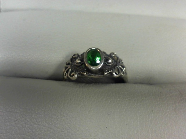 Green Stone Lady's Silver & Stone Ring 925 Silver 1.4g