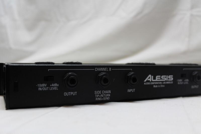 ALESIS Mixer 3630 RACK MOUNT COMPRESSOR