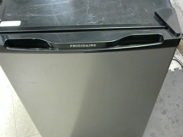 FRIGIDAIRE Refrigerator/Freezer FFPE45B2QM