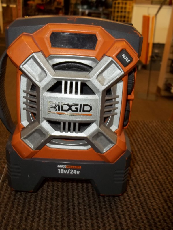 RIDGID PORTABLE RADIO/MP3 R84081