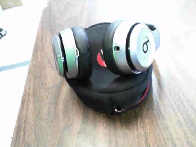 BEATS AUDIO Headphones SOLO WIRELESS