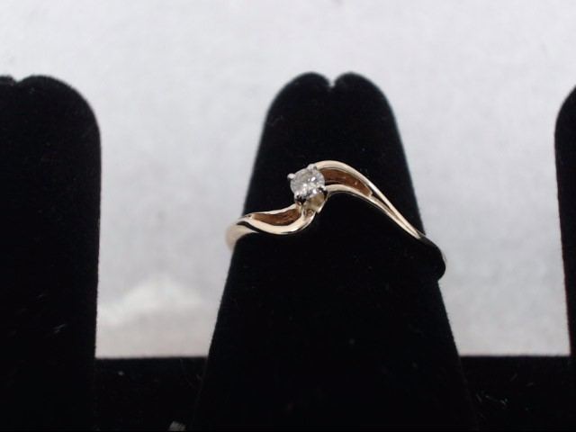Lady's Diamond Solitaire Ring .08 CT. 10K Yellow Gold 1.4g