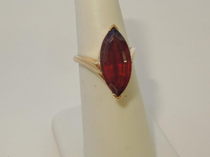 Synthetic Almandite Garnet Lady's Stone Ring 14K Yellow Gold 4.5g