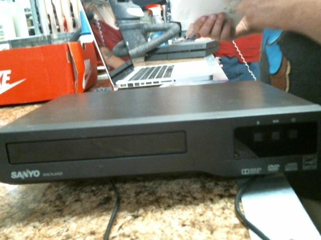 SANYO DVD Player E6T01UH