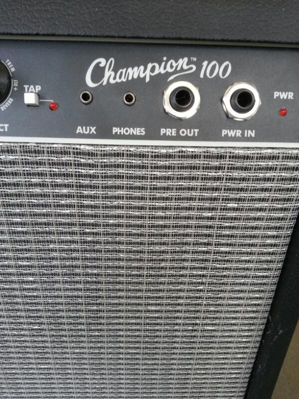 FENDER Electric Guitar Amp CHAMPION 100